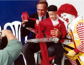 Célébration de la fondation de l'OMRM du Canada, 1982